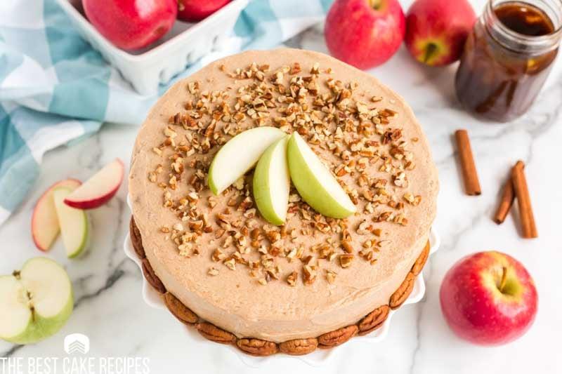 apple cinnamon cake with pecans