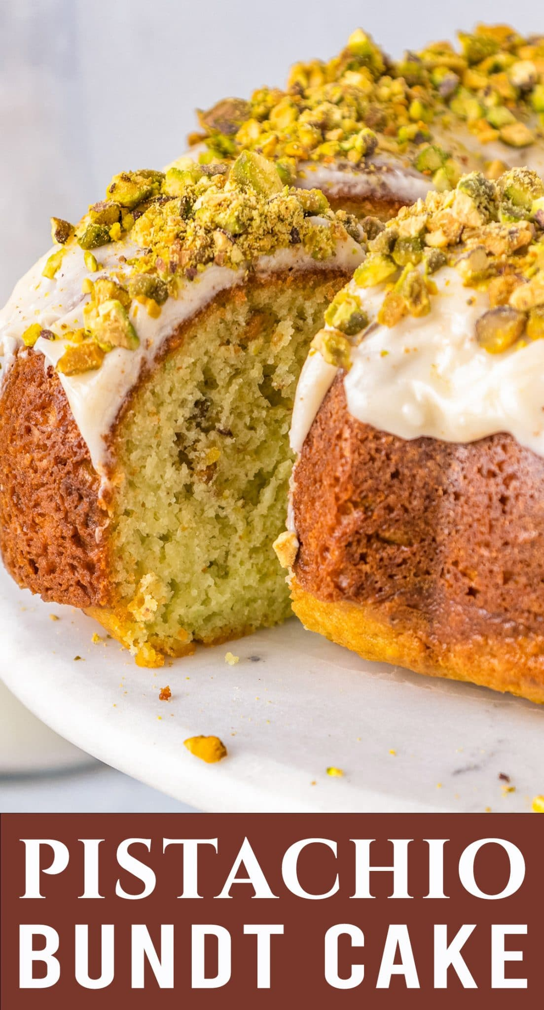 An easy cake recipe with lots of nutty flavor. This Pistachio Pudding Bundt Cake has a great pistachio flavor and pretty color. via @thebestcakerecipes