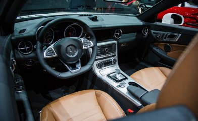 2017-Mercedes-Benz-SLC-show-floor-105-876x535