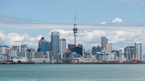 1200px-Auckland_Skyline_as_seen_from_Devonport_20100128_3.jpg