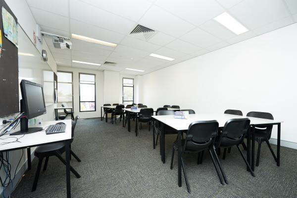 ResizedImage600399-NavitasEnglish-PerthGallery-Classroom