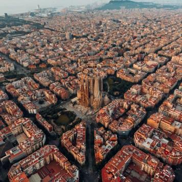 eixample-barcelona-aerial-view_dezeen_2364_sq