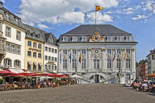 Bonn_-_Altes_Rathaus_am_Markt_(tone-mapping)