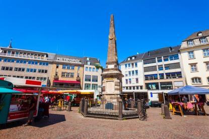 bonn-germany-june-market-square-centre-bonn-city-germany-market-square-bonn-germany-186528979
