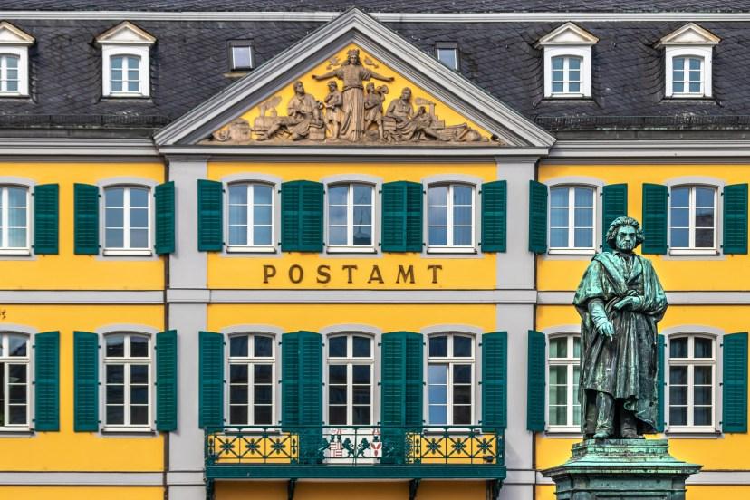 post-office-5604424_1920