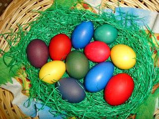 colour eggs