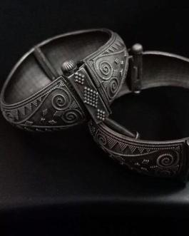 Oval shaped kada