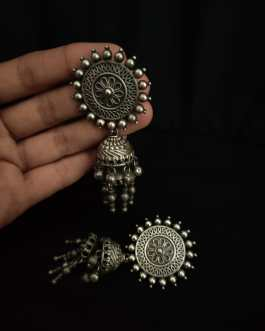 Over sized round stud with jhumki