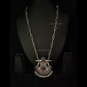 Silver look alike Long necklcae with classy pendant