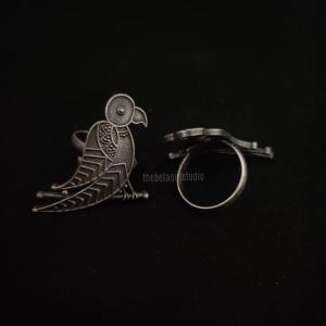 Parrot Silver look alike Ring
