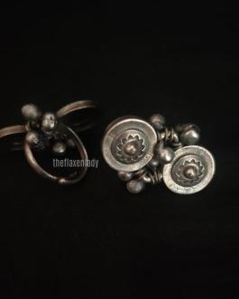 Round Traditional Silver Look Alike Ring