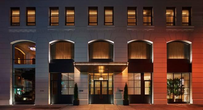 the-better-places-hotel-new-york-city-nyc-11-howard-design-boutique-schoeller-jessie-vonbronewski-gloria-schoeller-helena-reiseblog-travel-blogBuilding Exterior Kopie
