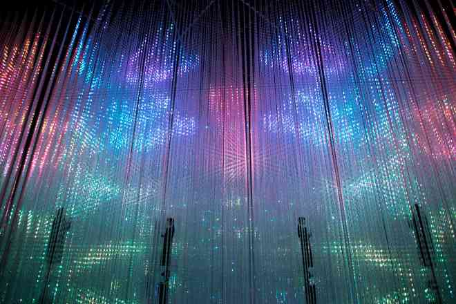 thebetterplaces_digitalmuseumtokyo_Wander through the Crystal World