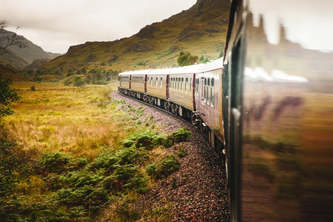 THEBETTERPLACES_train_scotland_royalscotsman.jpg