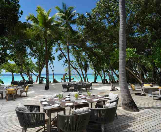 Thebetterplaces_vakkaru_maldives_Honeymoon_Ammany_Terrace.jpg