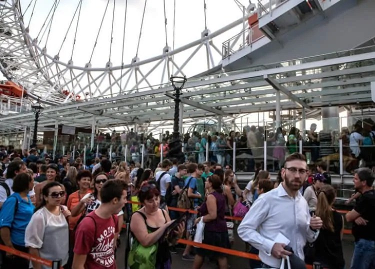 Ticketing counter queues at London Eye