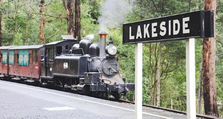 Lakeside Station Puffing Billy