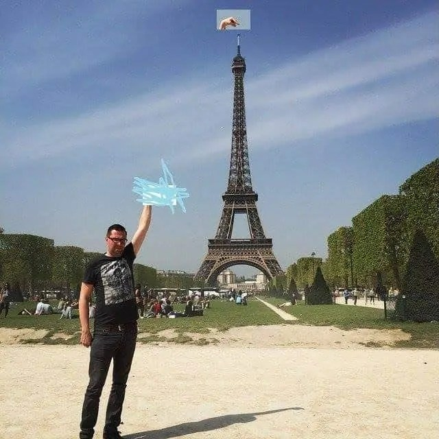 So what if Sid Frisjes can't reach the Eiffel Tower, his finger definitely can...