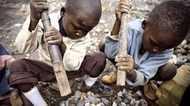 Child labour Congo. Children cobalt mining