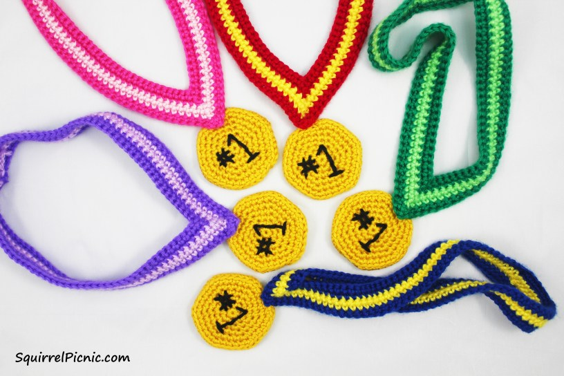 Whatever your achievement, you deserve to be recognized. Crochet an award medal and wear it with pride!