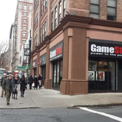 Navigate the Holidays with GameStop – a place to Shop, Sell, Trade-in used games and more