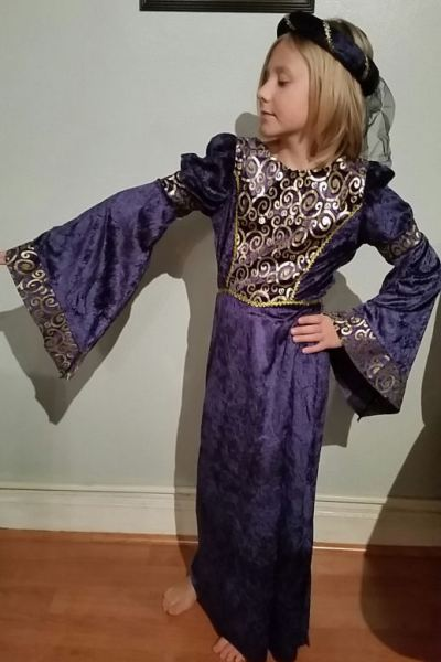 Renaissance Costume Idea for a Renaissance Themed Birthday Party!