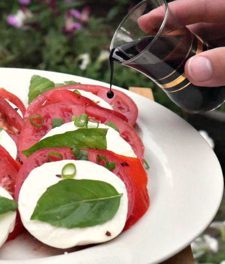 add-balsamic-glaze-to-caprese-salad