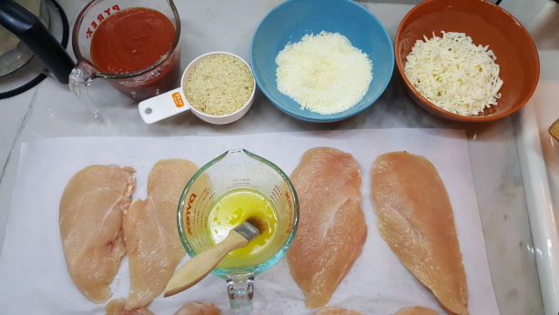 ingredients-for-baked-chicken-parmesan