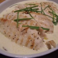 Chicken in white wine and tarragon cream