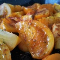 Roasted yellow tomato sauce