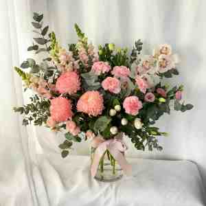 Lovely Deluxe Fresh Flower Arrangement in a Glass Vase by The Big Flower Bouquet