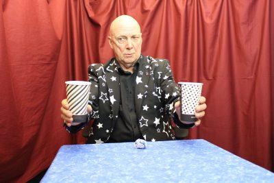 Virtual Magic Show - Two Cups