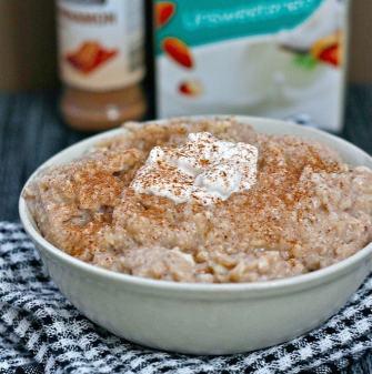 Cinnamon Bun Oatmeal (Gluten Free, High Protein, Sugar Free)
