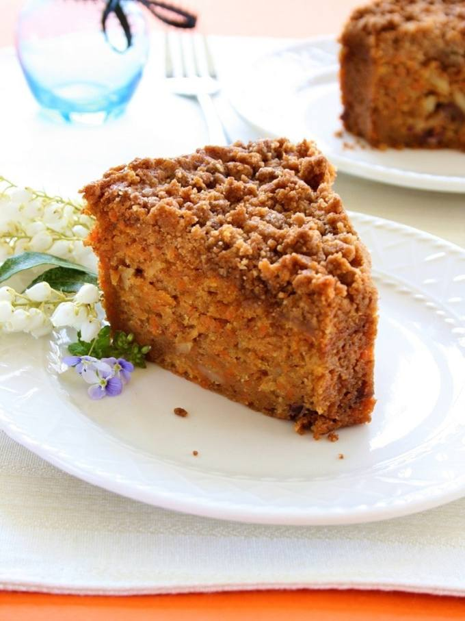 Carrot-Crumb-Cake-Vegan-and-Dairy-Free