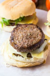 Skinny Blue Cheese Burgers-Easy, healthy and delicious burgers perfect for pan grilling! @thebigmansworld - thebigmansworld.com
