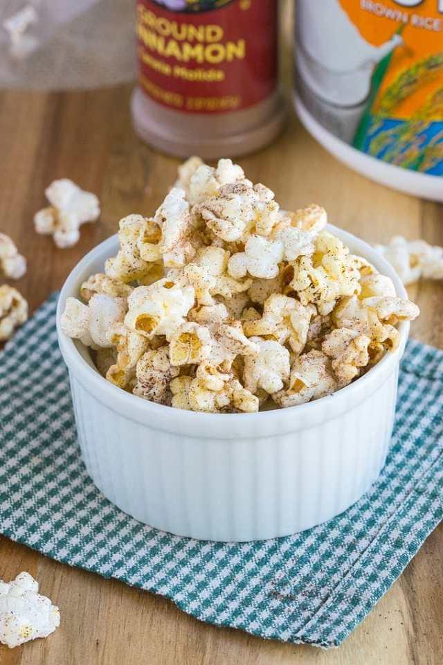 Easy Cinnamon Bun Popcorn