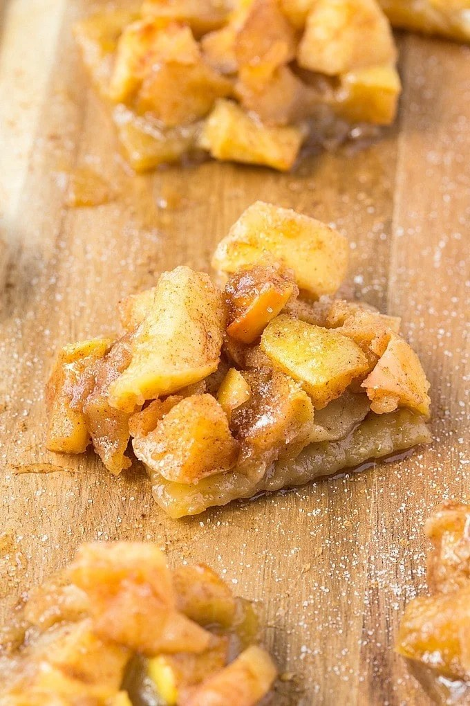 Healthy No Bake Salted Caramel Apple Slice- Easy, fancy looking but SO simple to put together, it's a delicious recipe which is loved by all- Healthier too! {Vegan, gluten free, refined sugar free}