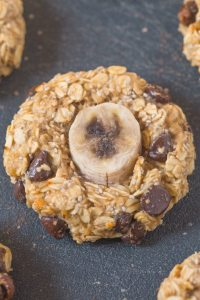 Healthy Flourless Banana Oat Greek Yogurt breakfast cookies made with NO butter, oil, flour or sugar but 100% delicious and SO satisfying! {vegan, gluten free, dairy free recipe}- thebigmansworld.com