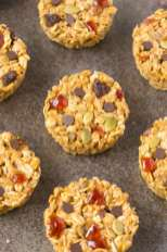 Healthy 3 Ingredient No Bake Granola Cups- Simple, easy, customisable and ready in just FIVE minutes, these delicious granola bar cups are the perfect breakfast, snack or clean dessert! NO nasties! {vegan, gluten free, dairy free recipe}- thebigmansworld.com
