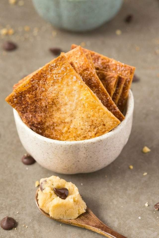 Healthy Paleo BREAKFAST Cookie Dough- This quick and easy edible and egg-free cookie dough which requires NO baking- It's perfectly portioned and completely guilt-free- Snack, dessert or an anytime treat- NO butter, dairy, oil, grains or sugar! {vegan, gluten free, paleo recipe}- thebigmansworld.com