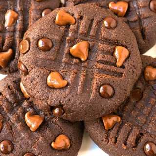 Healthy No Bake Peppermint Chocolate Cookies