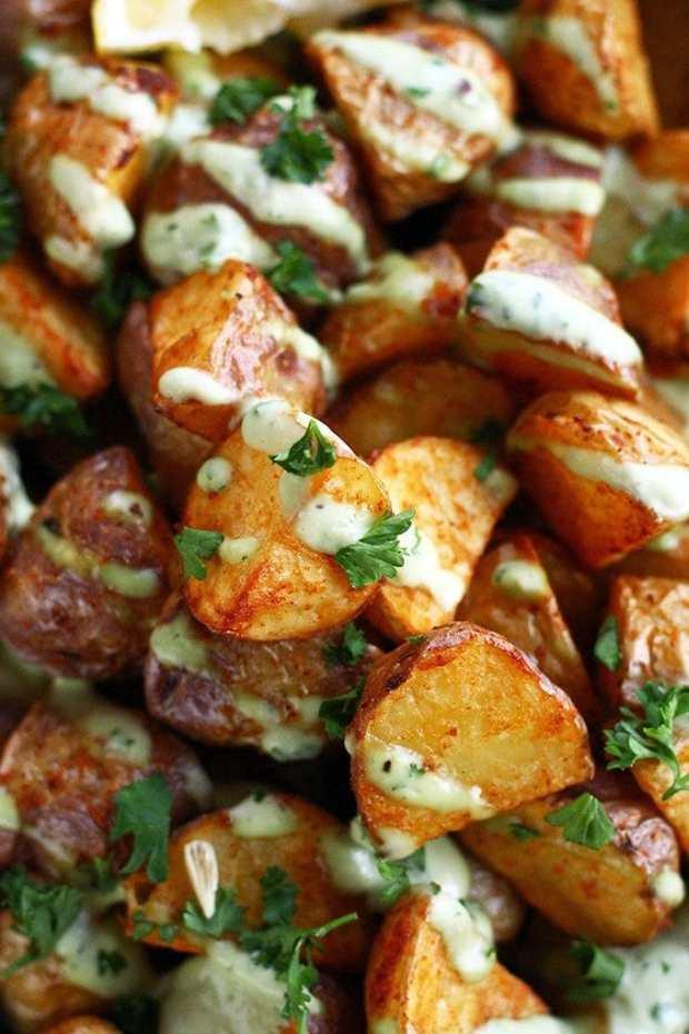 crispy-potatoes-with-garlic-lemon-avocado-aioli1