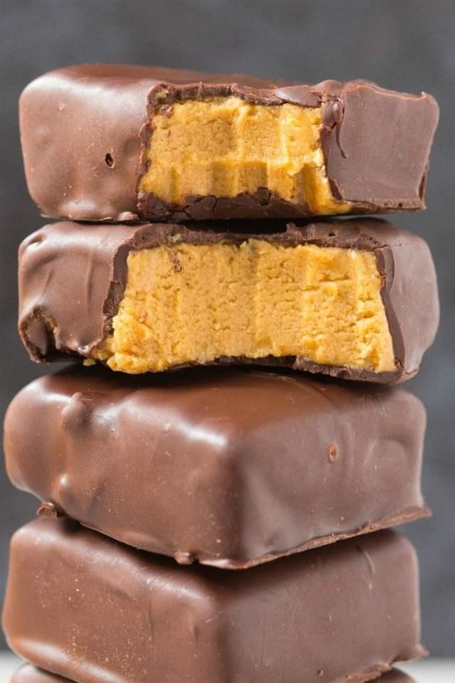 Healthy No Bake Keto Peanut Butter Chocolate Bars
