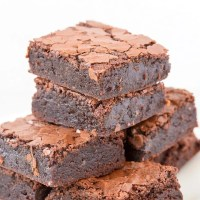 Easy healthy fudgy paleo vegan zucchini brownies that are low carb, gooey and loaded with chocolate!