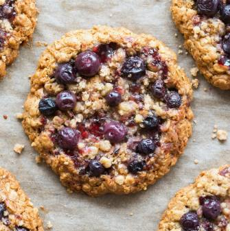 Easy healthy blueberry banana oatmeal breakfast cookies