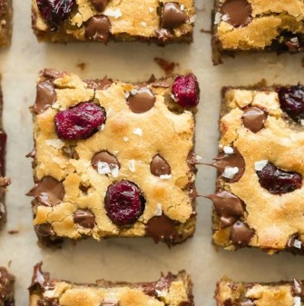 Blondies with cranberries and chocolate chips