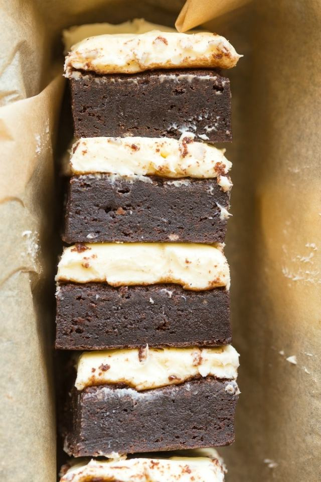 Keto brownies with cream cheese