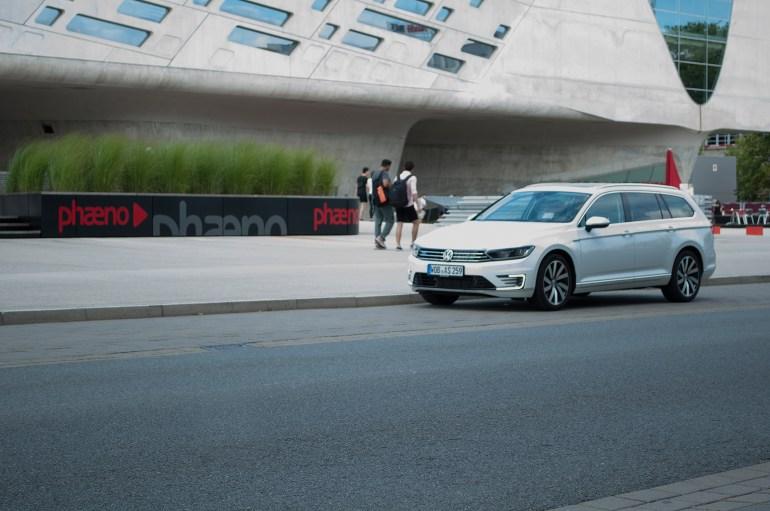 Autostadt Wolfsburg phaeno Passat GTE Hybrid