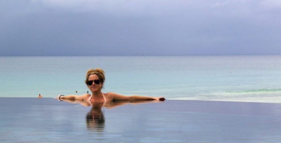 Ruthie in infinity pool