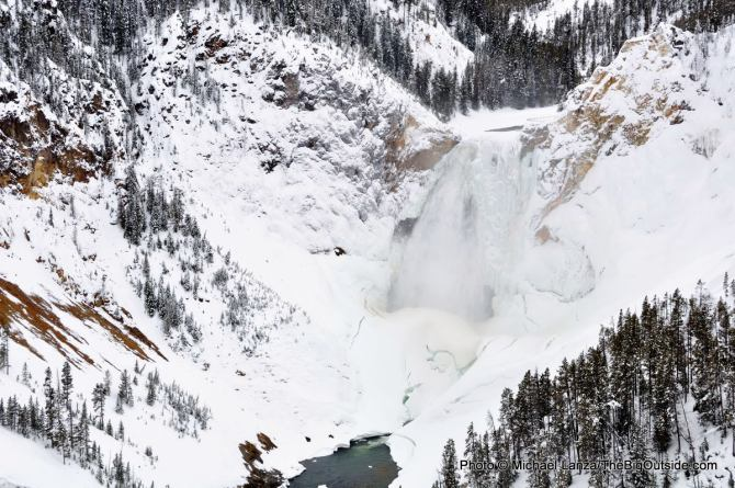 Lower Yellowstone Falls, Grand Canyon of the Yellowstone River, Yellowstone National Park.